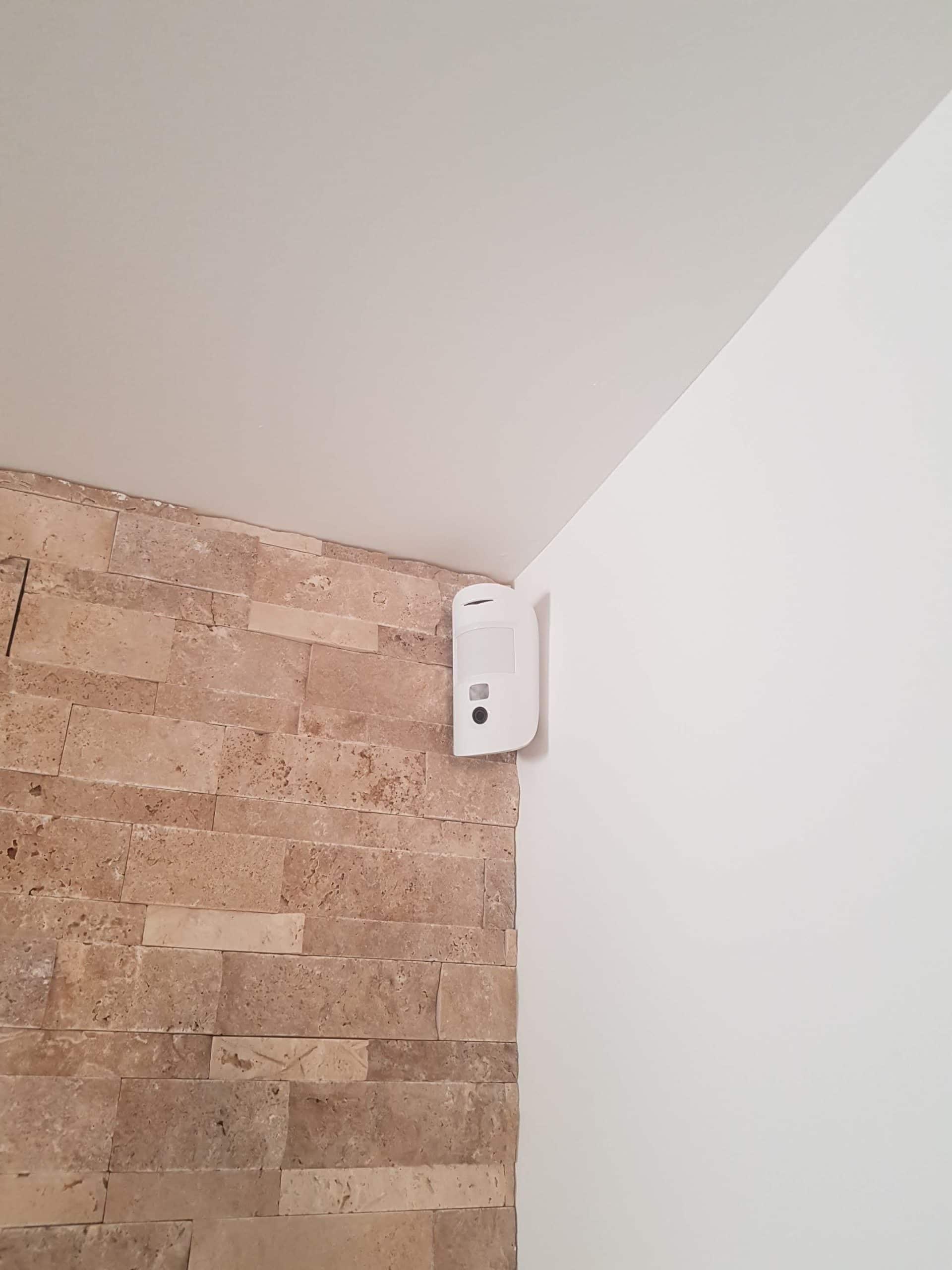 Système d'alarme de sécurité pour villa de 2 étages à Aix en Provence