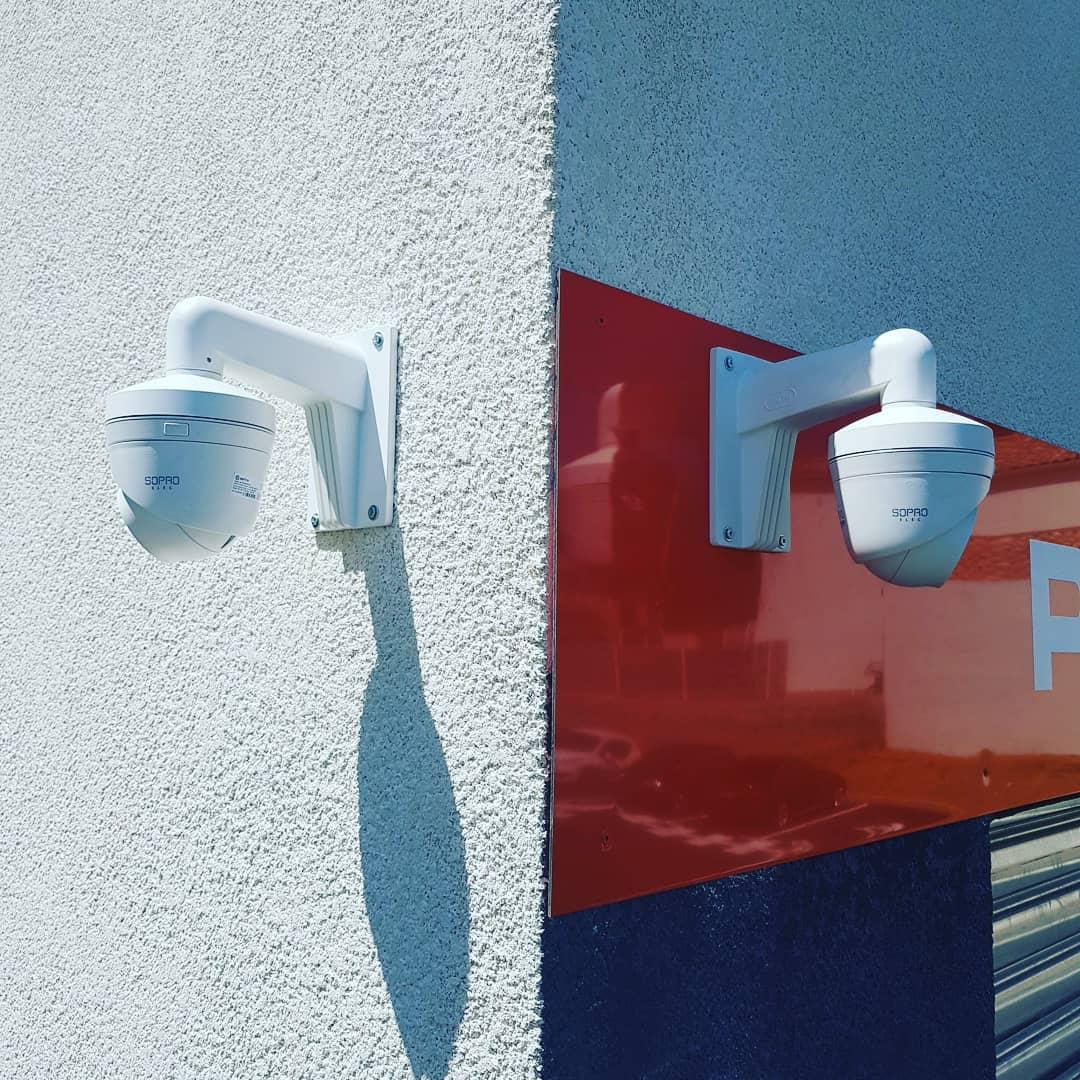 Caméras Extérieures 4MP avec infrarouge de 50 mètres pour la protection d'un garage