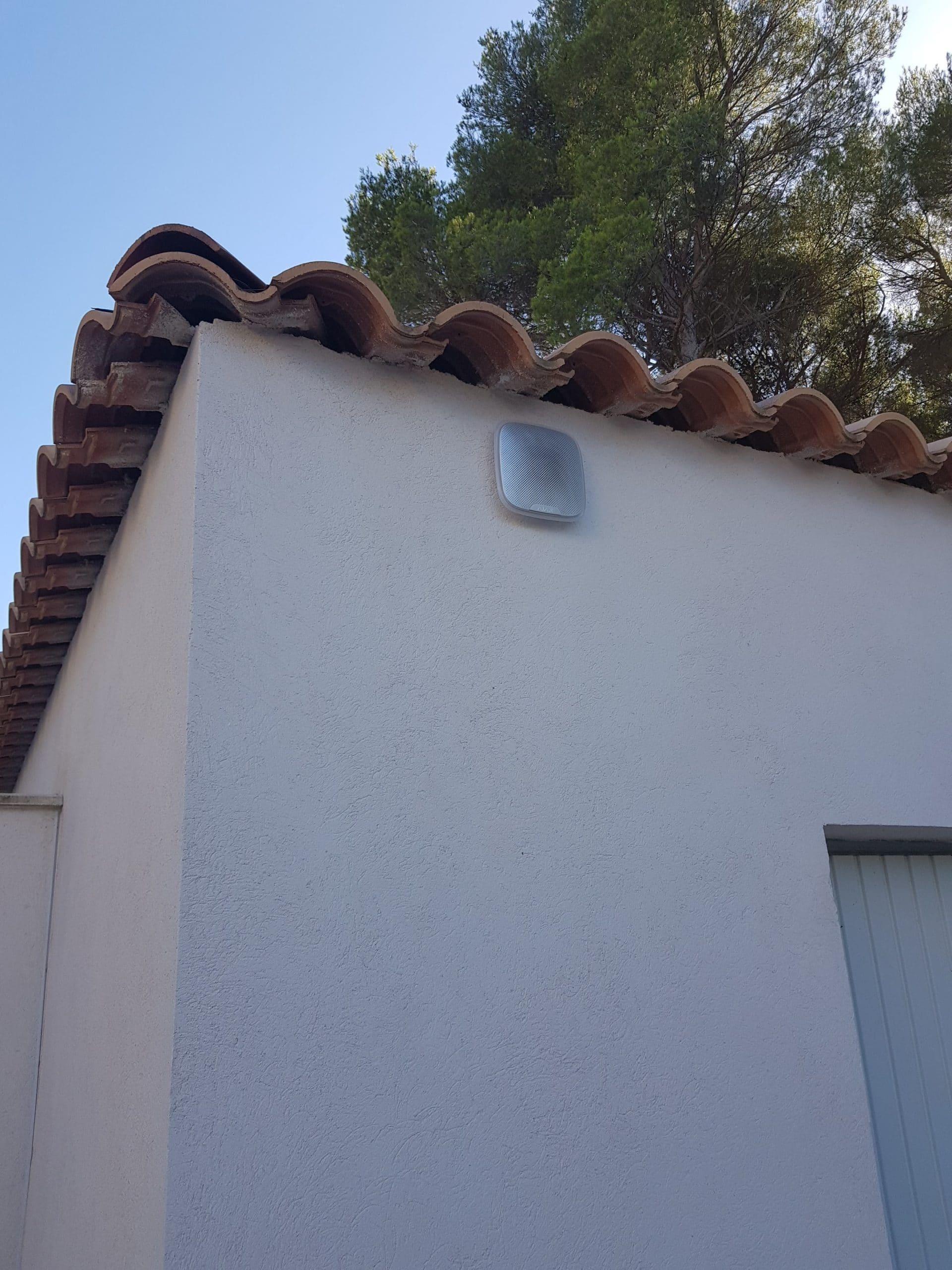 Installation et programmation de détecteur de zone en extérieur pour une villa à Ventabren