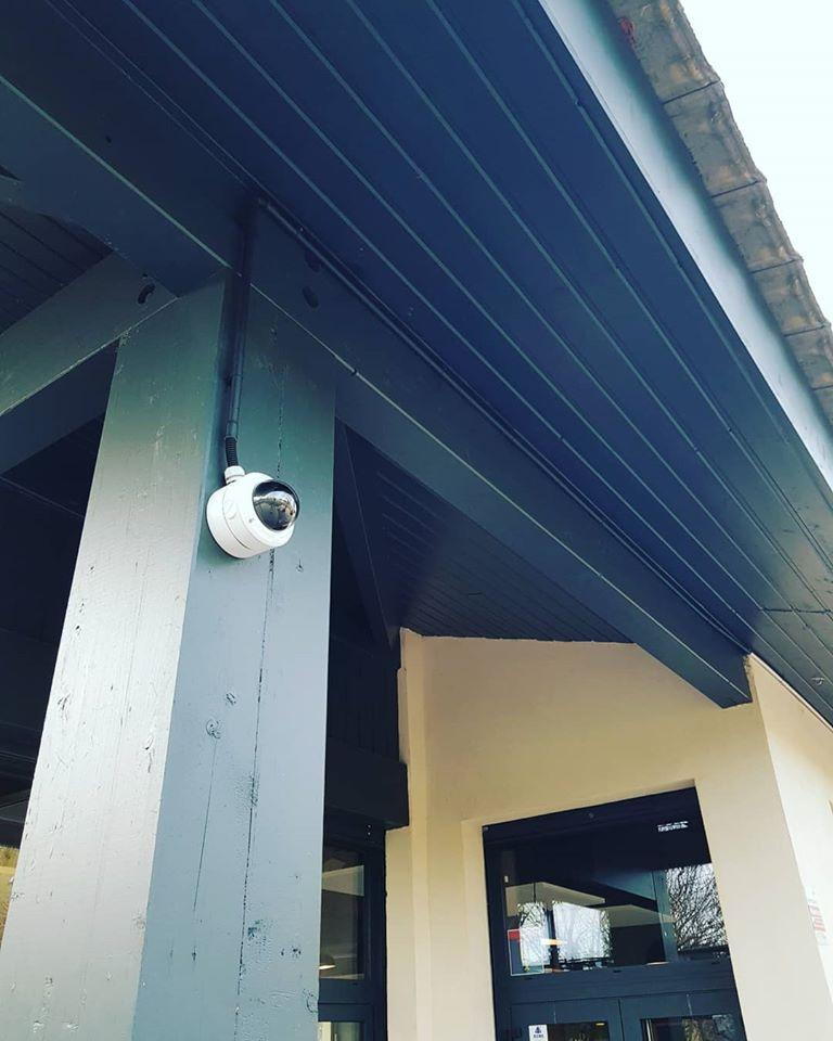 Installation de caméras de vidéosurveillance intérieur et extérieur pour commerce à Aix en Provence