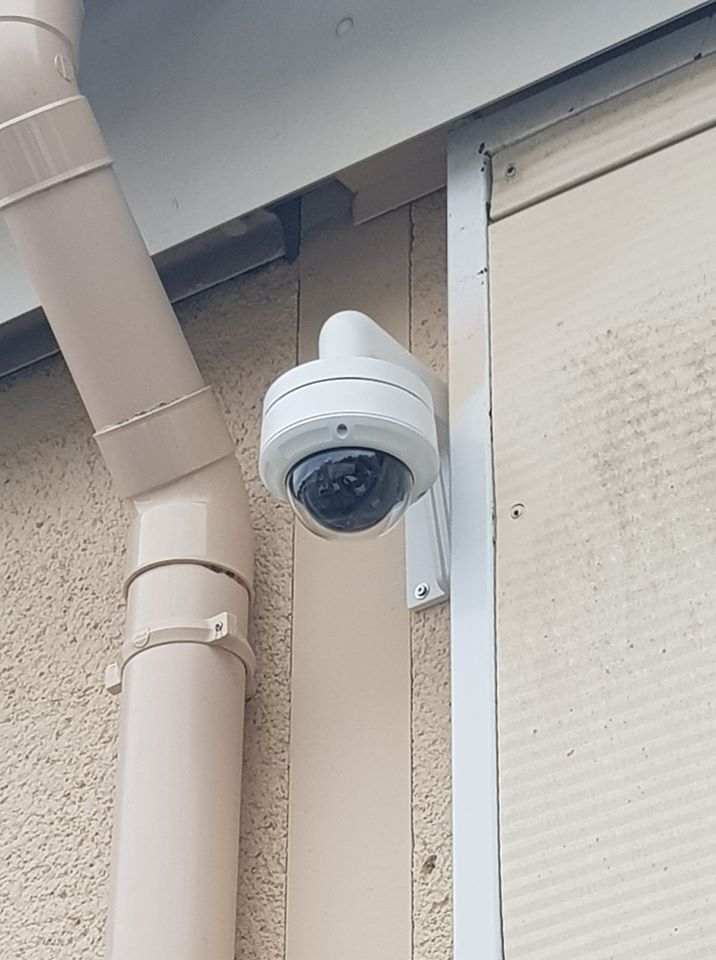 Installation de caméra de vidéosurveillance extérieure à Pertuis