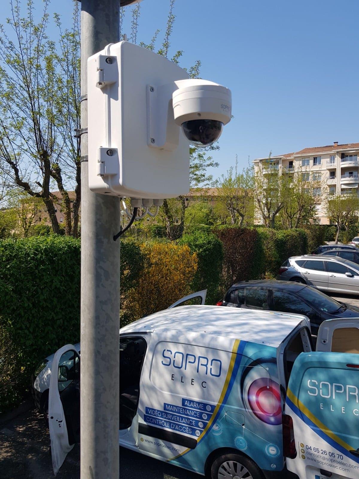 pose de caméra de vidéosurveillance pour parking dans une résidence a aix en provence