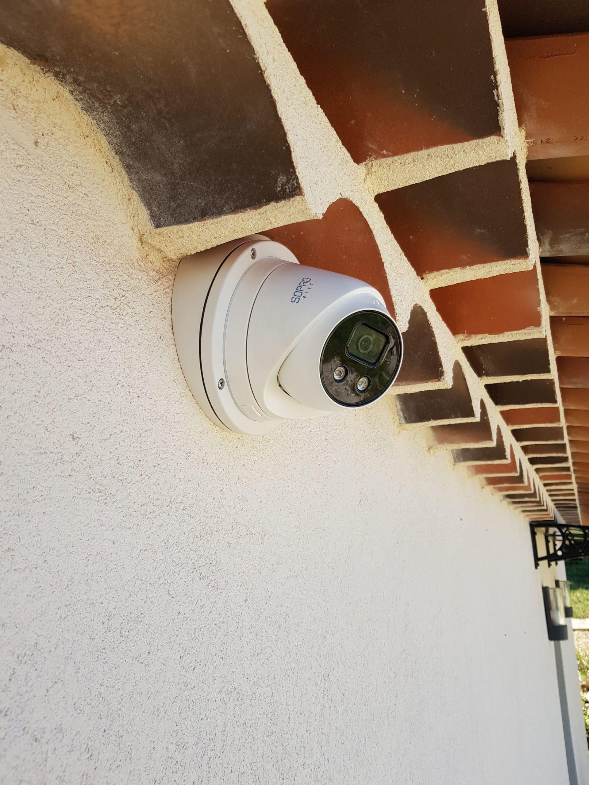 Caméra de vidéosurveillance nocture avec une portée de 50 mètres à Meyreuil